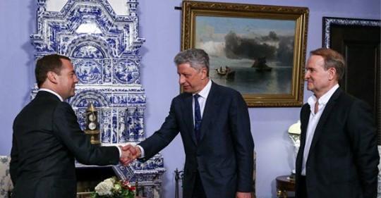 Медведчук и Бойко в Москве предложили «Единой России» дружить партиями