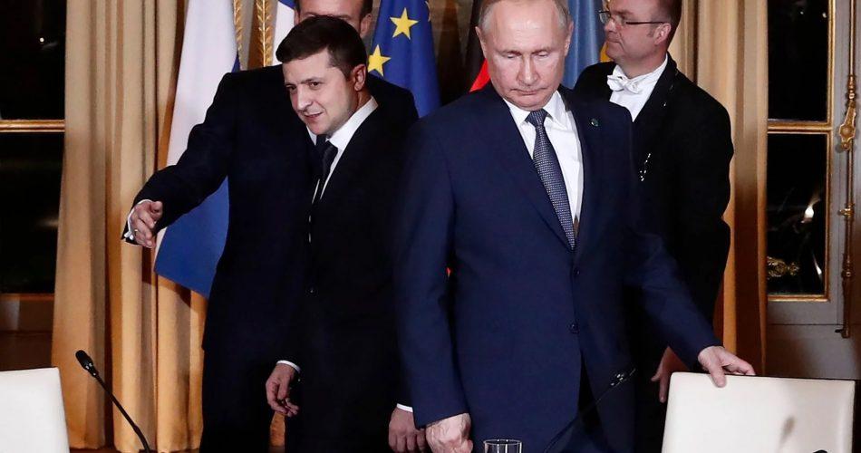 Путін був злий і ледь стримувався. Його витягли на зустріч, щоб показати всім, що росіяни не готові…