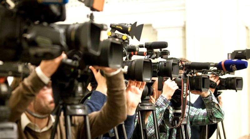 Свободі слова кінець! Скандальний закон схвалено… Журналістам тепер не сховатись…