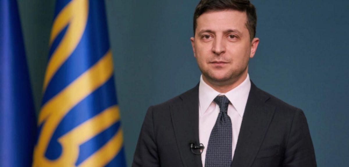 Українські медики їдуть до Італії для допомоги у боротьбі з кopoнавiрyсом – указ Зеленського…