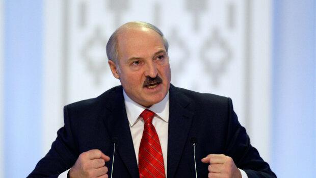 Лукашенко после украинских санкций не стерпел и накинулся на президента: «Своим вирусом займись»