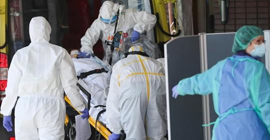 В Іспанії пішла на спад смертність від коронавірусу, однак за добу країна має понад 800 жертв …