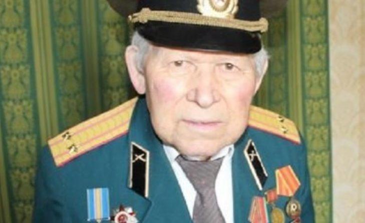 """Нехай його всі знають! Цей ветеран 94-річний Іван Рікота відмовився зняти нагороди України, незважаючи на погрози """"влади"""" В """"ЛНР"""""""