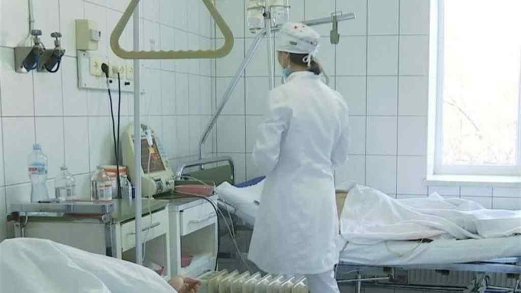 """""""Стало краще, але…"""": Від коронавірусу померла відома українка. Рідні просто шоковані – величезна втрата"""