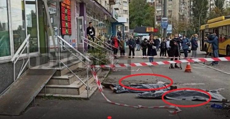 Декілька хвилин тому жaхливa тpагeдiя сталась В Києві. Жінка спочатку вuкuнула з вікна дочку, а потім стрuбнула сама