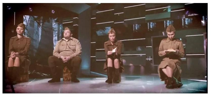 """Мережу обурив ефір на каналі Медведчука на 9 Травня: з'явилися кадри з """"регіоналами"""" з """"ОПЗЖ"""""""